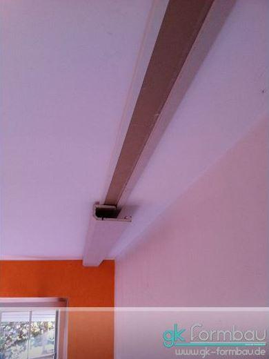 Lichtvoute an der Decke montieren