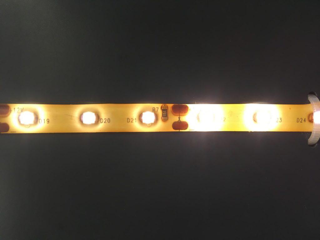 LED Ausfall be LED-Streifen die direkt auf Holz oder Rigips geklebt werden
